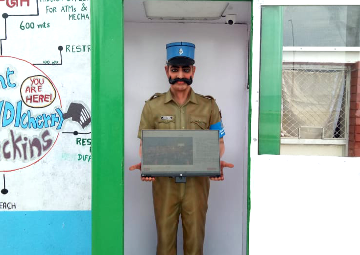 constable singam is a robocop on Pondicherry's beach road. With a touch-screen, he acts as a help-desk for tourists