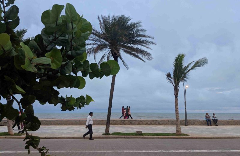 Pondicherry beach road or the promenade beach is a great place to relax for pondicherry locals and tourists